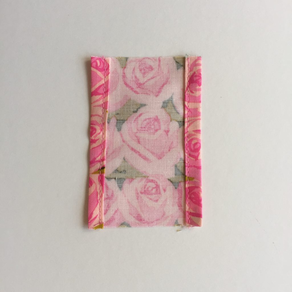 Quilt hanging sleeve