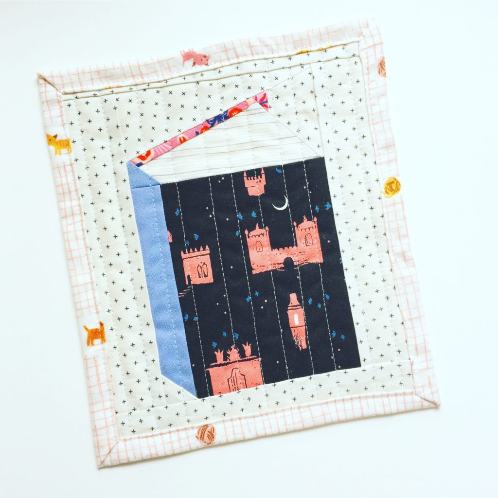 Book quilt block mini quilt patterns