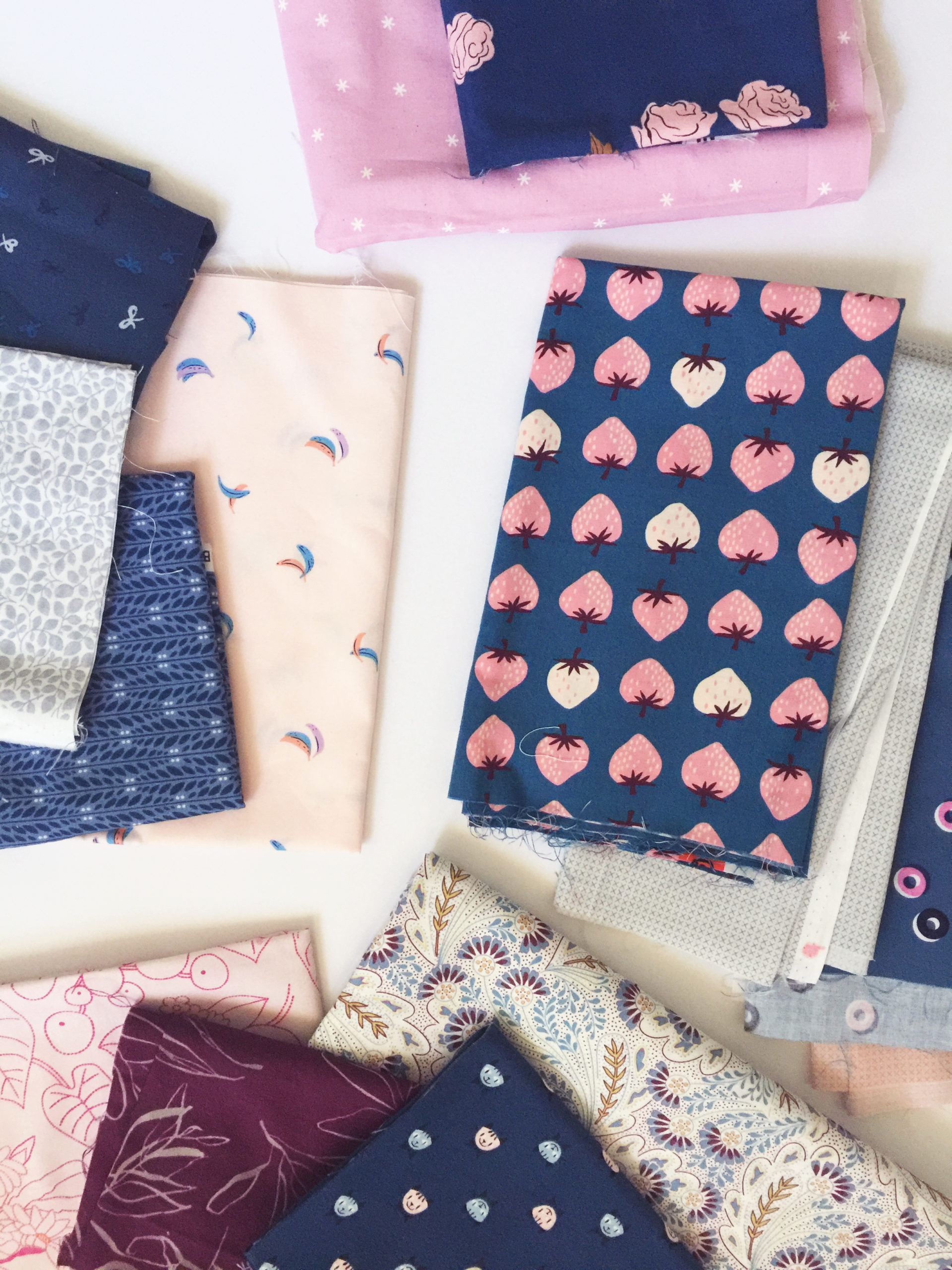 Quilt fabric pull navy and pink